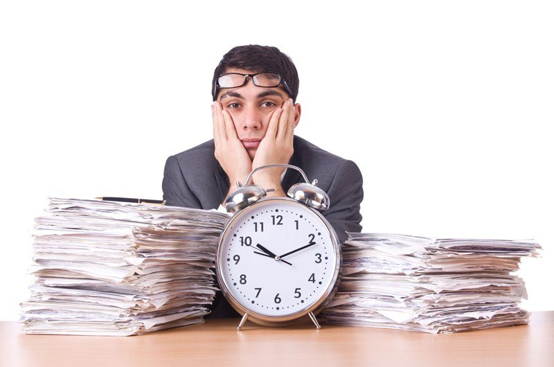 What are the maximum weekly working hours?